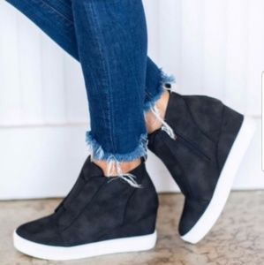 Shoes - 💯 MUST-HAVE SNEAKERS PERFECT FALL FASHION 🎁